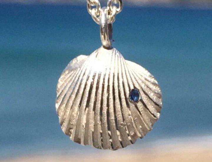 Kettenanhänger silber blauer Saphir