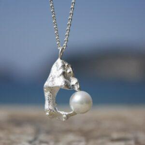 Kettenanhänger Muschelfragment Perle