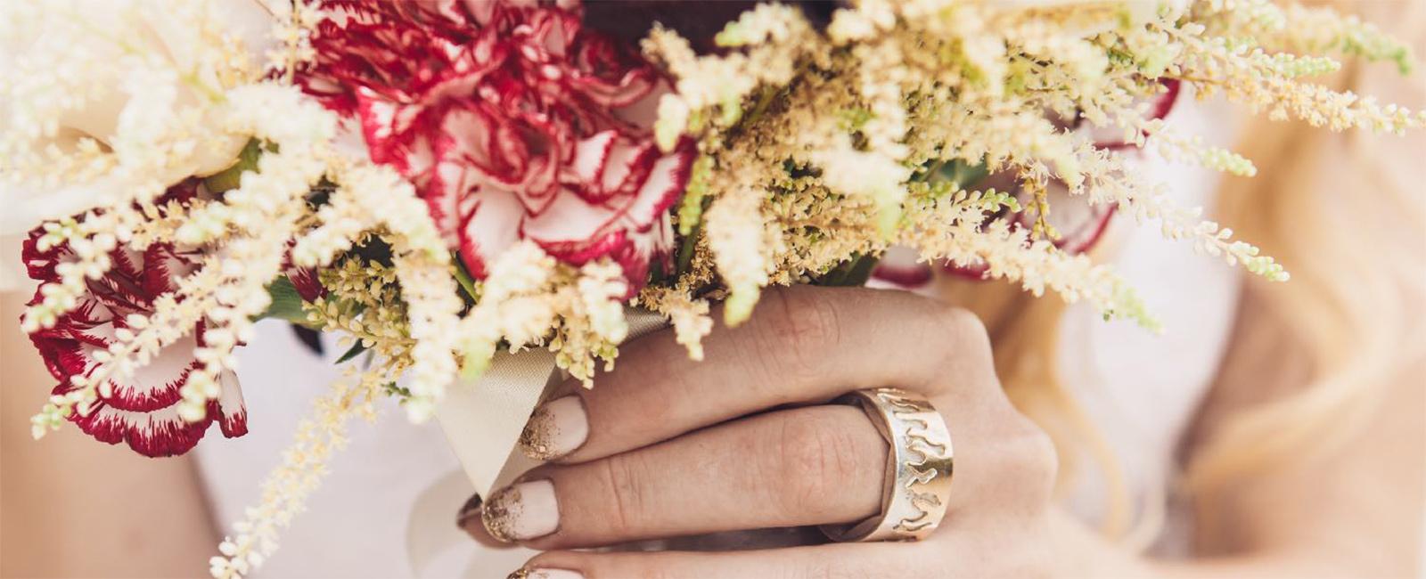 Brautstrauss mit Ehering